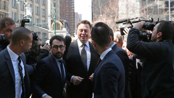 Tesla CEO Elon Musk arrives at Manhattan federal court for a hearing on his fraud settlement with the Securities and Exchange Commission (SEC) in New York City, U.S., April 4, 2019.  REUTERS/Shannon Stapleton