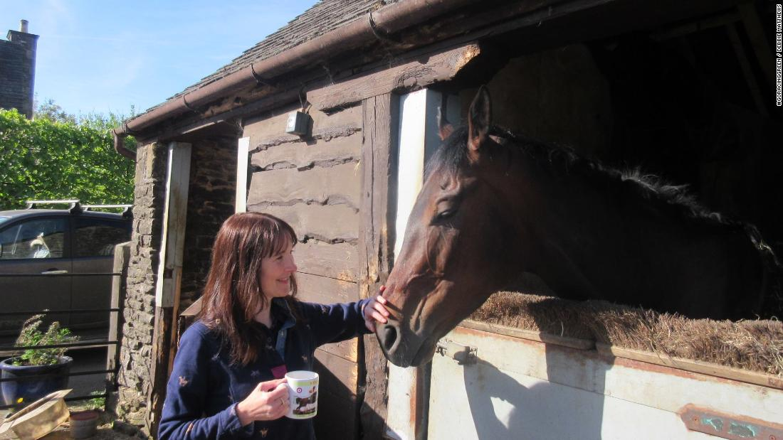 How horses became 'therapy' for woman struggling with mental health