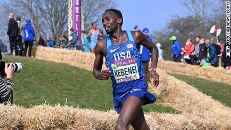 Stanley Kebenei, a former University of Arkansas distance runner, set a new American 10-mile record on Sunday.