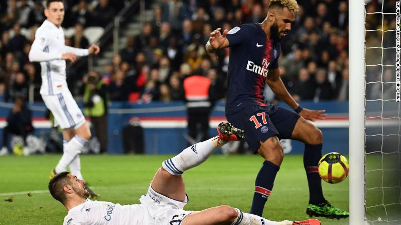 Eric Choupo-Moting apologized for his awful miss.