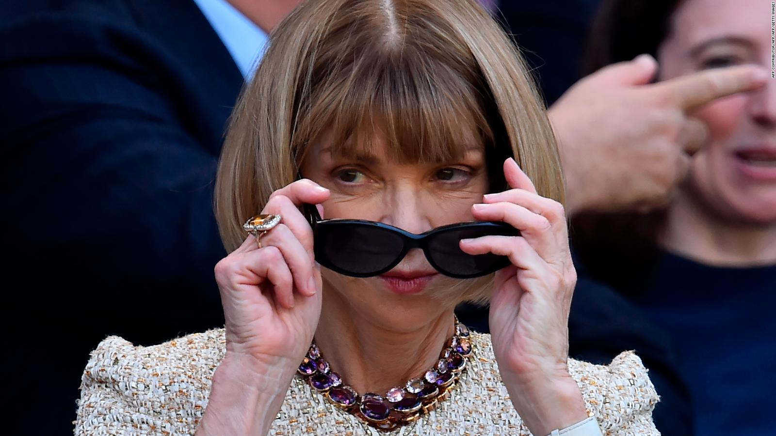 9aec6ad0d5 Anna Wintour on her emblematic sunglasses - CNN Video