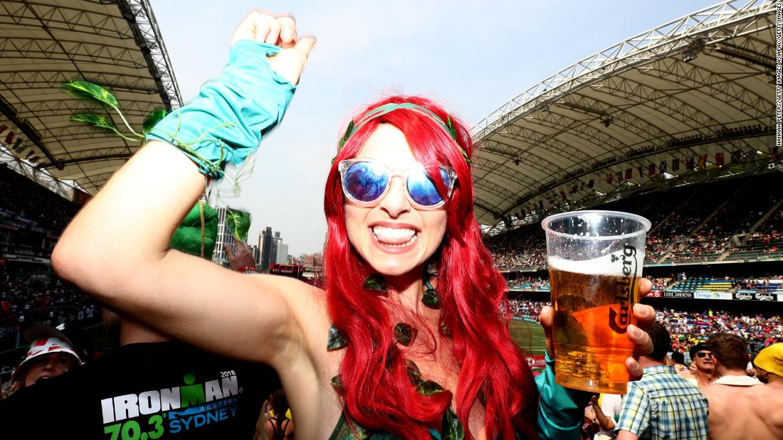 Hong Kong Sevens: When rugby goes crowd surfing - CNN