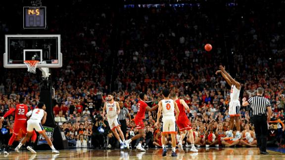 Virginia's De'Andre Hunter hits a game-tying 3-pointer late in the second half. Hunter had a game-high 27 points.