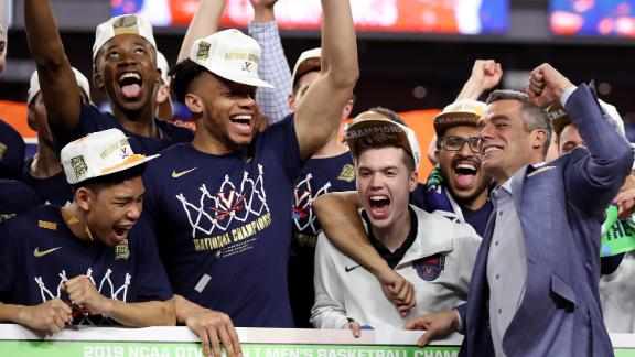 MINNEAPOLIS, MINNESOTA - APRIL 08: Head coach Tony Bennett of the Virginia Cavaliers places his teams name as National Champion on the bracket after his teams 85-77 win over the Texas Tech Red Raiders during the 2019 NCAA men's Final Four National Championship game at U.S. Bank Stadium on April 08, 2019 in Minneapolis, Minnesota. (Photo by Streeter Lecka/Getty Images)