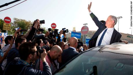 Netanyahu on cusp of victory in dramatic election finale