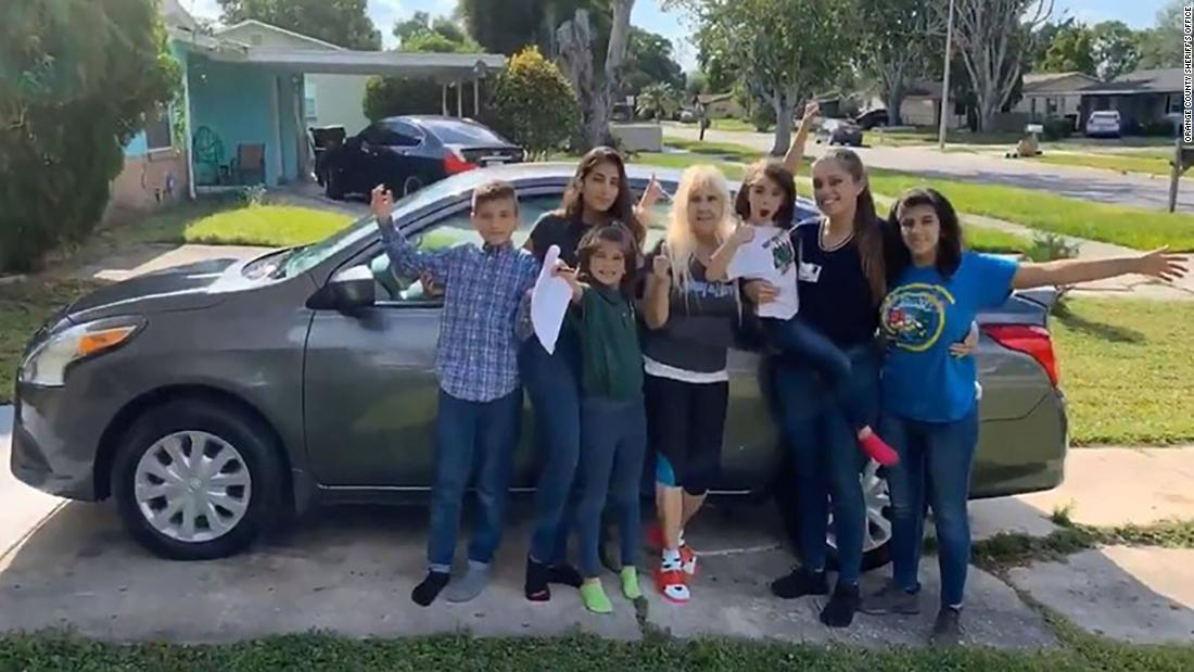 This 20-year-old is raising her five younger siblings after their parents died. The sheriff's office just bought her a car