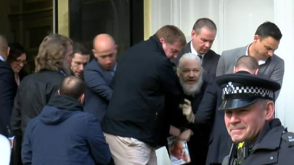 Video shows arrest of Assange