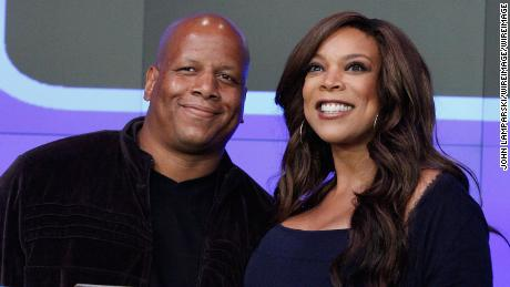 Image result for Wendy Williams files for divorce from Kevin Hunter