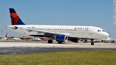 Officials: Delta pilot removed from fully boarded flight