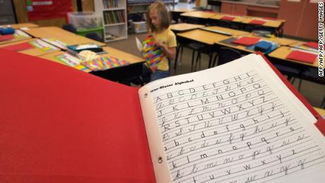 Cursive writing is making a comeback in classrooms in several states -- and Texas is the latest