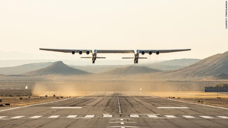 World's largest plane flies for the first time