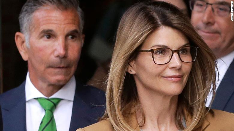 Loughlin Pleads Not Guilty In College Admissions Scandal