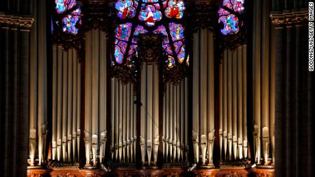The master organ is used for public services.