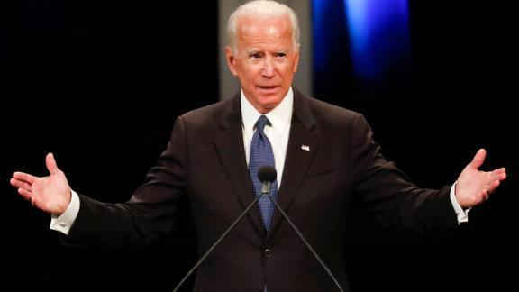Former US vice president Joe Biden speaks during the memorial service for the late US Senator John McCain at the North Phoenix Baptist Church, August 30, 2018 in Phoenix, Arizona. (Photo by Matt YORK / POOL / AFP)        (Photo credit should read MATT YORK/AFP/Getty Images)