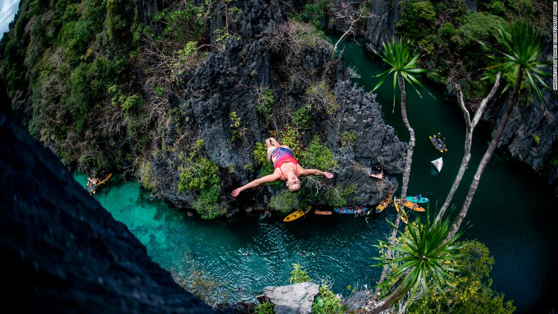 Competitors battle dizzying heights in Cliff Diving World Series