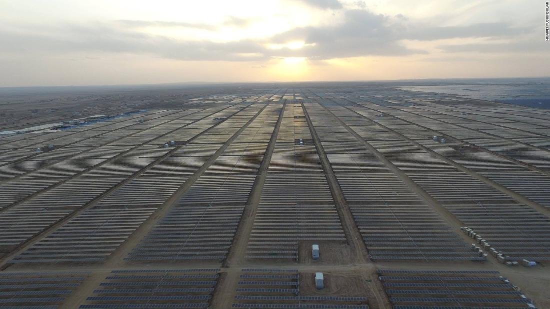 "Built with Huawei Technologies solar know-how, the Yanchi Ningxia Solar Park has a <a href=""http://solar.huawei.com/pt-BR/download?p=%2F~%2Fmedia%2FSolar%2Fattachment%2Fpdf%2Fla%2Fservice%2Fcommercial%2Fproduct%2Fdatasheet%2FFusionSolar-Catalogue-EN.pdf"" target=""_blank"">1,000-megawatt capacity</a> and was the largest single photovoltaic plant in the world when it opened in 2016, according to the IEEFA."