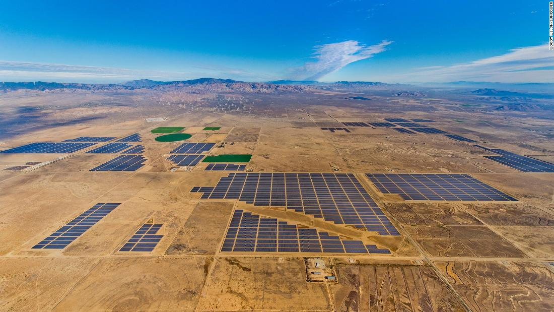"The Solar Star projects in Kern County were completed in 2015 and comprise of 1.7 million photovoltaic modules with a 586-megawatt capacity -- enough energy to power <a href=""https://www.bherenewables.com/solarstar_solar.aspx"" target=""_blank"">255,000 average-sized households</a> in California, according to BHE Renewables. <br />"