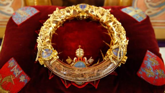 Notre-Dame de Paris cathedral. The holy crown of thorns worn by Jesus Christ during the Passion. (Photo by: Godong/UIG via Getty Images)