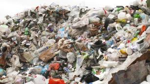 La prohibición de reciclaje de China ha enviado el plástico de Estados Unidos a Malasia.  Ahora no lo quieren, ¿y ahora qué?