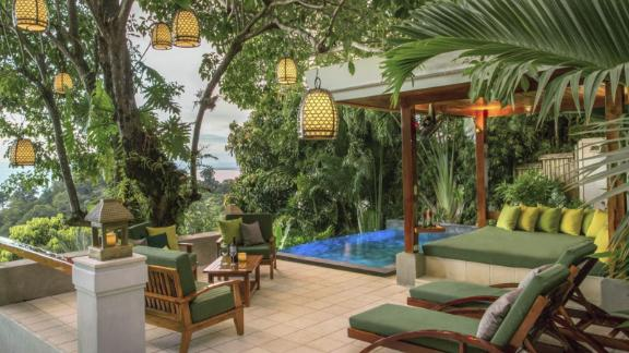 """<strong>1. </strong><a href=""""http://www.anrdoezrs.net/links/8314883/type/dlg/sid/0418besthotels/https://www.tripadvisor.com/Hotel_Review-g309274-d300974-Reviews-Tulemar_Bungalows_Villas-Manuel_Antonio_Province_of_Puntarenas.html"""" target=""""_blank"""" target=""""_blank""""><strong>Tulemar Bungalows & Villas (Manuel Antonio, Costa Rica)</strong></a><br /><em>A </em><a href=""""http://www.anrdoezrs.net/links/8314883/type/dlg/sid/0418besthotels/https://www.tripadvisor.com/"""" target=""""_blank"""" target=""""_blank""""><em>TripAdvisor</em></a><em> reviewer said:</em> """"Visiting Tulemar was one of our favorite vacations ever. We stayed at Casa de Frutas which is an exquisite tropical paradise in the jungle with endless views. We had sloths and monkeys visit us in the surrounding trees and scarlet macaws flying across our vistas as if we were living a movie! The only thing that exceeded the perfection of the home and Tulemar grounds was the staff. The professional and attentive staff was somehow able to spoil us completely without being obtrusive at all. The level of service at Tulemar is far beyond what we have experienced at luxury hotel chains that are famous for their service. Wonderful wonderful wonderful."""""""