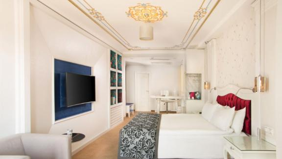 """<strong>14. </strong><a href=""""http://www.anrdoezrs.net/links/8314883/type/dlg/sid/0418besthotels/https://www.tripadvisor.com/Hotel_Review-g293974-d1674691-Reviews-Hotel_Amira_Istanbul-Istanbul.html"""" target=""""_blank"""" target=""""_blank""""><strong>Hotel Amira Istanbul (Istanbul, Turkey)</strong></a><br /><em>One </em><a href=""""http://www.anrdoezrs.net/links/8314883/type/dlg/sid/0418besthotels/https://www.tripadvisor.com/"""" target=""""_blank"""" target=""""_blank""""><em>TripAdvisor</em></a><em> reviewer said:</em> """"Every staff member we encountered was friendly and responsive. The roof deck is a peaceful oasis: a perfect spot to enjoy a glass of wine and contemplate the beautiful Sea of Marmara.""""<br />"""