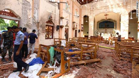 Bomb wounds through Sri Lankan churches and hotels and kill 290 people.