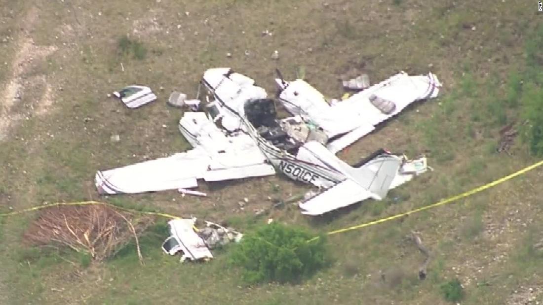 Six dead in small plane crash in Texas