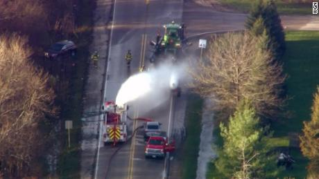 A leak in a tractor-trailer carrying anhydrous ammonia caused a chemical spill in Illinois on Thursday.