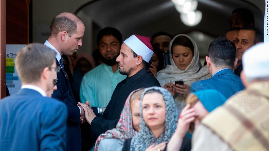 Prince William visits Christchurch massacre mosque