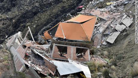 Landslide destroys several homes, leaves hundreds homeless