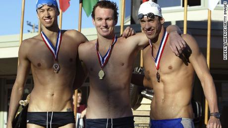 Aaron Peirsol (center), Michael Phelps (right) and Chris DeJong (left), on the podium of the Men's 200m backstroke final in 2004 at the Santa Clara XXXVII International Swim Meet.