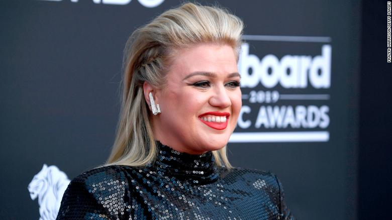 Kelly Clarkson releases new Christmas single in September because why not