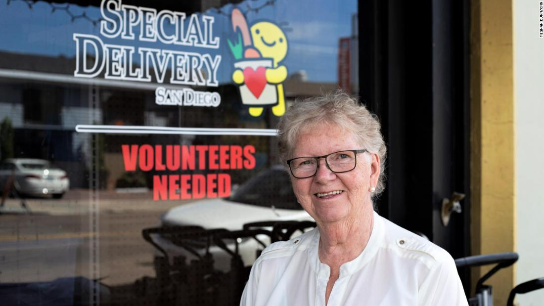 Inspired by a sick customer, a diner owner enlists volunteers to feed those who can't make it to her restaurant