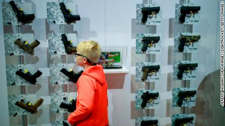Unlocking weapons can reduce deaths against teenagers and childhood with a third