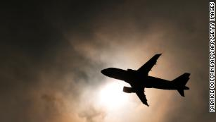 No volar no va a salvar el planeta.  Pero es un comienzo