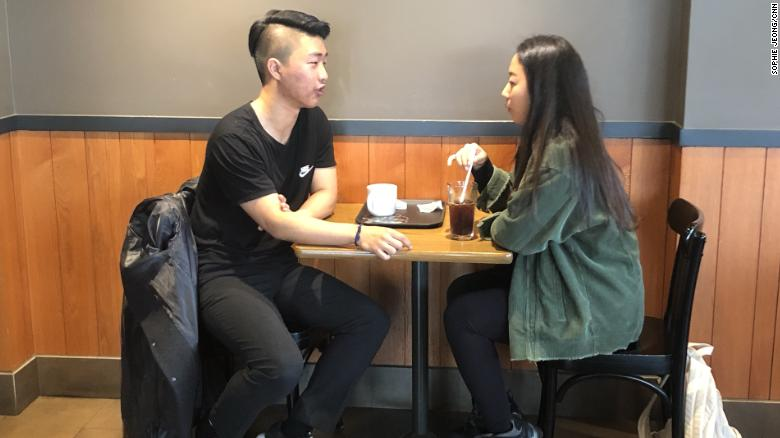 College students Kim Joon-hyup and Kim Min-ye are completing their dating assignment, in which students are paired with random partners to go on four-hour-long dates.
