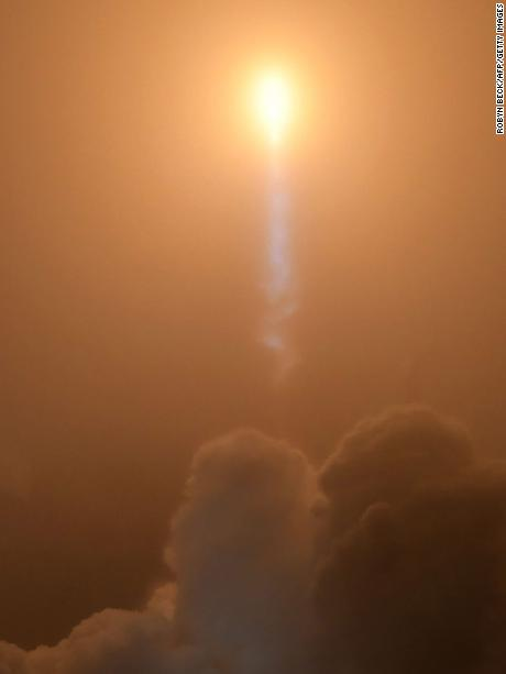 "The NASA InSight spacecraft launches onboard a United Launch Alliance Atlas-V rocket on May 5, 2018, from Vandenberg Air Force Base in California. - NASA on May 5 launched its latest Mars lander, called InSight, designed to perch on the surface and listen for ""Marsquakes"" ahead of eventual human missions to explore the Red Planet. (Photo by Robyn Beck / AFP) /         (Photo credit should read ROBYN BECK/AFP/Getty Images)"
