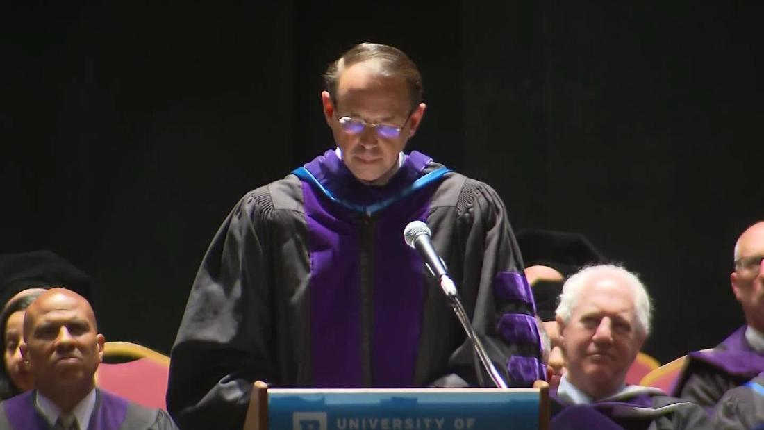 Invoking Mueller, Rosenstein tells graduates to compromise 'without violating your principles'