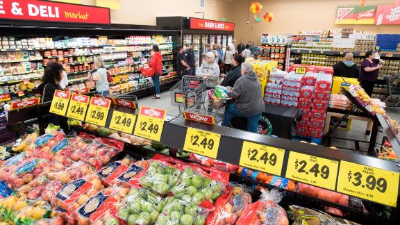 Grocery Outlet is hitting the public market and hopes to raise $100 million through an IPO.