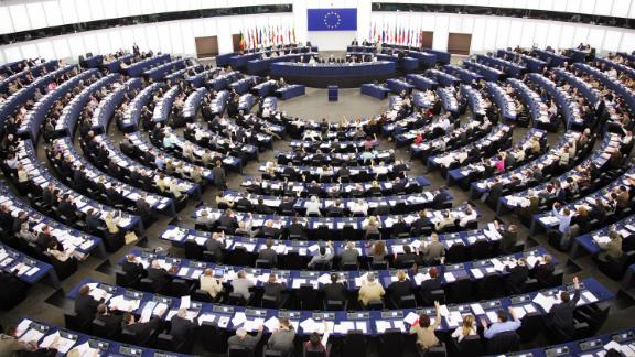 Strasbourg, FRANCE: European Deputies vote during the plenary session, at the European Parliament