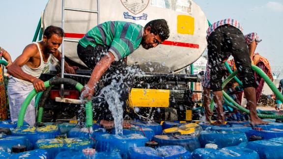 India is facing the worst water crisis in its history, with 600 million people dealing with high to extreme water shortage. Many people need to rely on tankers to deliver their water.