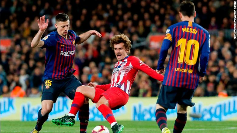 Antoine Griezmann in action for Atletico Madrid agaisnt Barcelona.