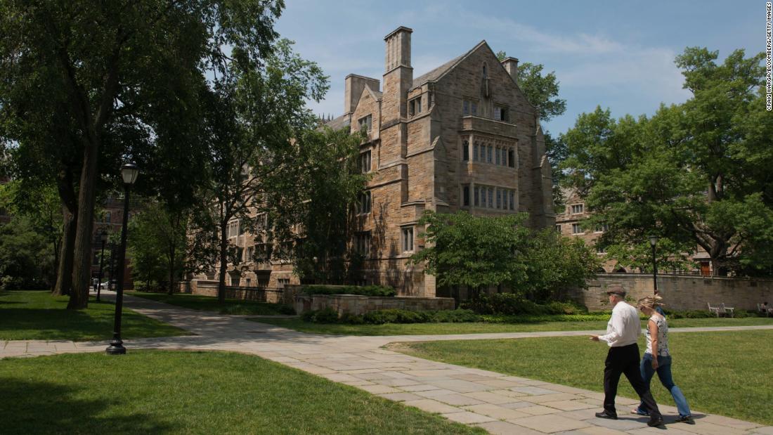 www.cnn.com: US drops discrimination lawsuit against Yale