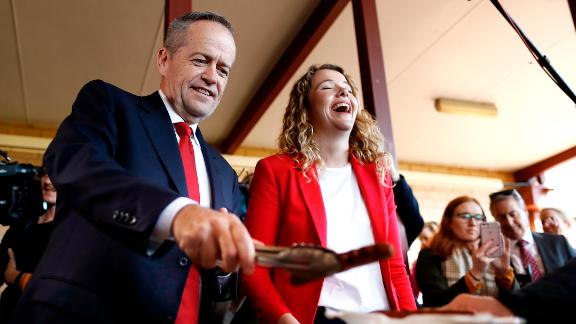 Labor leader Bill Shorten and Labor candidate for Boothby Nadia Clancy hand out sausages to supporters during a community BBQ on May 14.