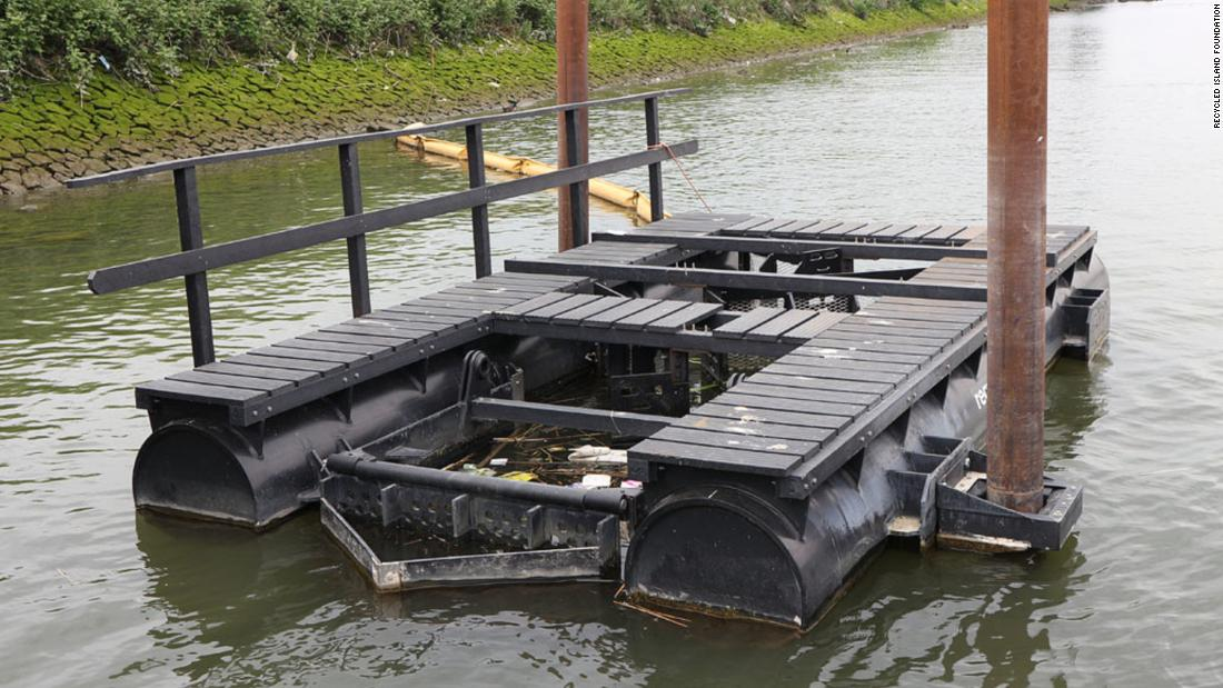 The Recycled Island Foundation estimates that 12,000 kilos of plastic was used to build the 40 square meter floating park. Plastic was collected in litter traps like this.