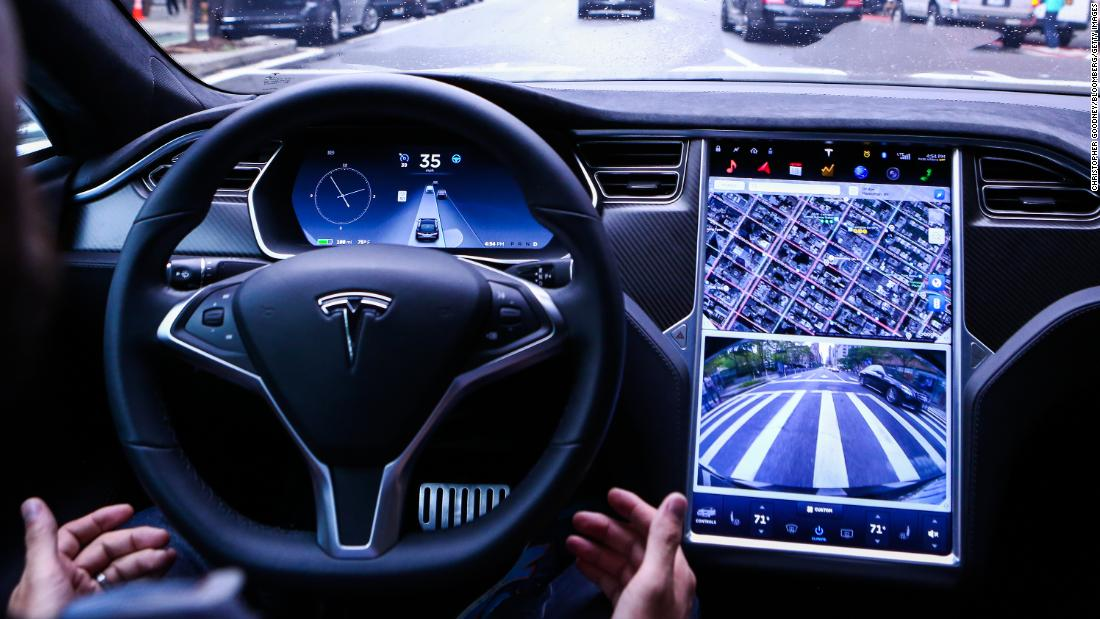 Tesla on Autopilot crashed when the driver's hands were not detected