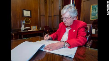Alabama's 'pro-life' governor is a hypocrite