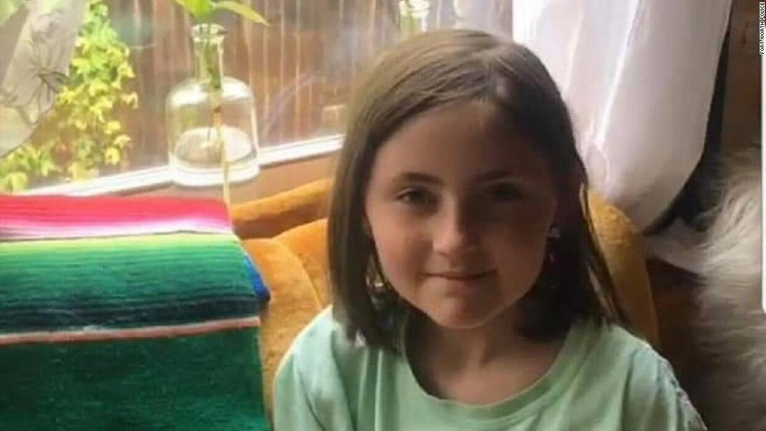 'Heroes' lead police to Texas girl who was abducted while walking with her mother, police say