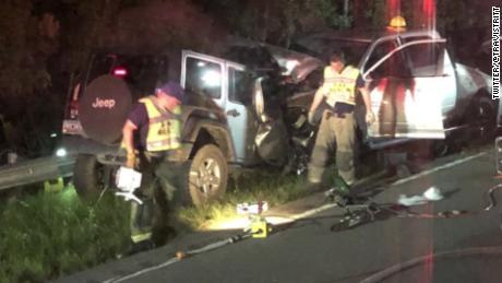 Travis Tritt tour bus sideswiped in crash that killed two