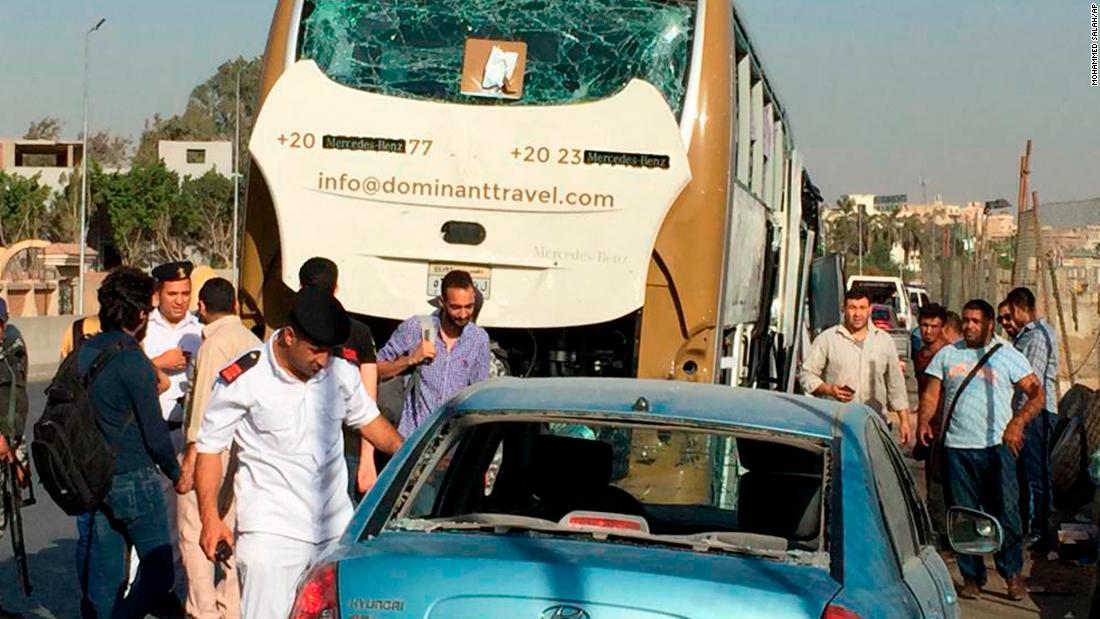 Egypt explosion injures tourists near Giza pyramids